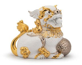 Kylin 34 cm (left) - Sculpture - White (gold line)