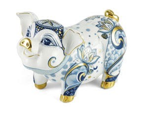 Blooming Fortune 24.5 cm - Sculpture - Gold Lined Cobalt and White Lotus Piggy