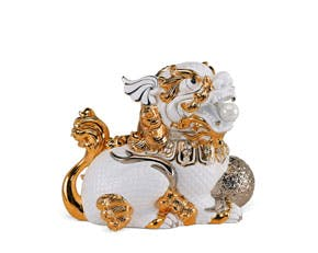 Kylin 24 cm (left) - Sculpture - White (gold line)