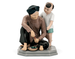 The love of my grandmother - Sculpture - Figurine